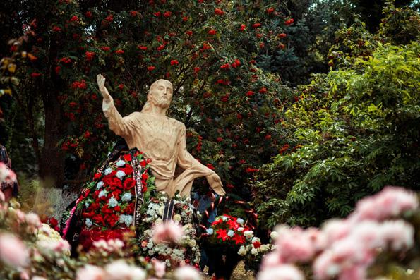 Святейший Патриарх рассказал об упорядочении практики совершения богослужений на кладбищах и в моргах