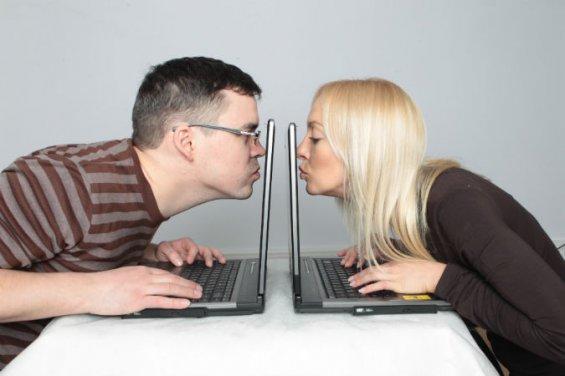 Знакомство по интернету плюсы и минусы знакомства regular dating