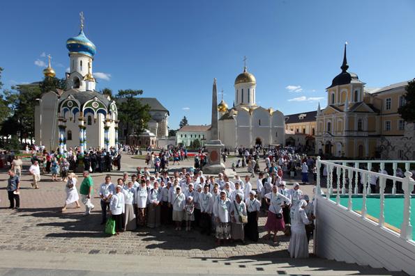 Волонтерская поездка в Троице-Сергиеву Лавру: другого такого места нет!