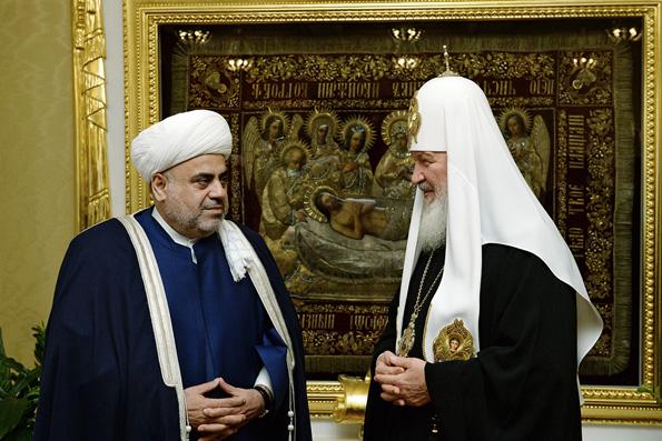Патриарх Кирилл верит в успех военной операции России в Сирии