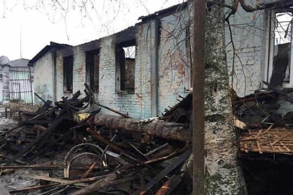 Патриарх молится о погибших при пожаре в интернате в Воронежской области