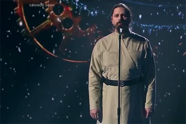 Иеромонах Фотий при невероятной поддержке зрителей вышел в полуфинал проекта «Голос»