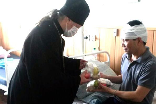 Священнослужители Казанской епархии навестили в больницах пострадавших при пожаре