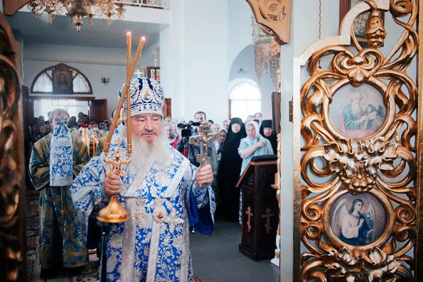 Митрополит Феофан совершил Божественную литургию в Седмиезерном монастыре