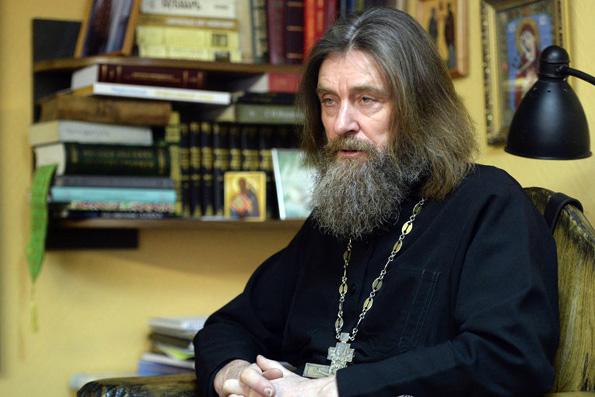Cвященник Федор Конюхов призвал молиться за украинский народ и о вразумлении Порошенко