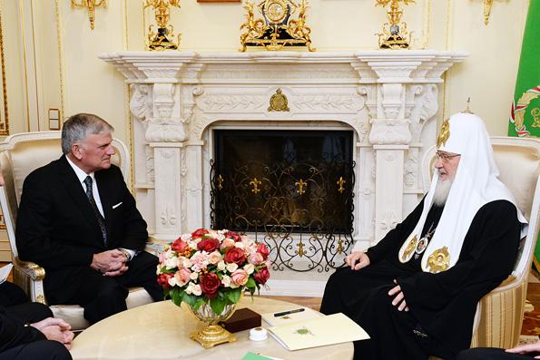 Патриарх Кирилл: Запад перестает быть христианским
