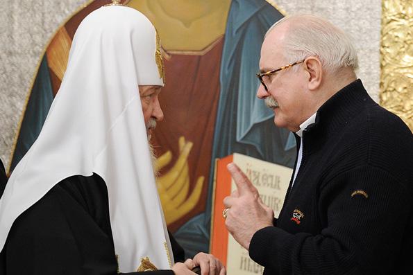 Патриарх Кирилл наградил церковным орденом Никиту Михалкова, отмечающего 70-летие