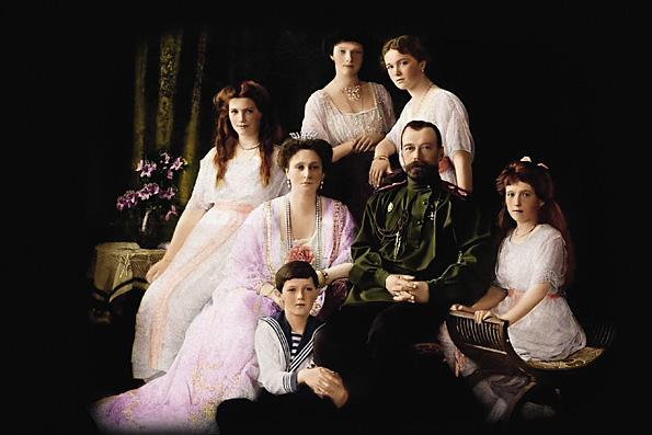 «И у верующих, и у семьи Романовых — немало вопросов»