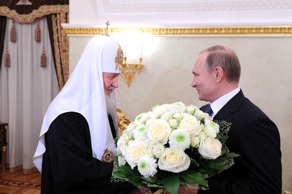 Путин поблагодрил Патриарха Кирилла за укрепление единства российского народа