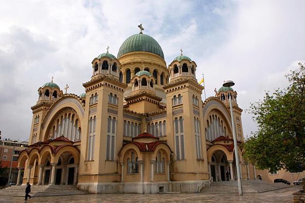 «Это война против Церкви»: в Греции принято решение об открытии крематория