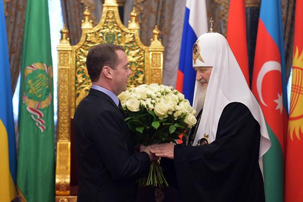 Премьер-министр России поздравил Патриарха  с годовщиной интронизации
