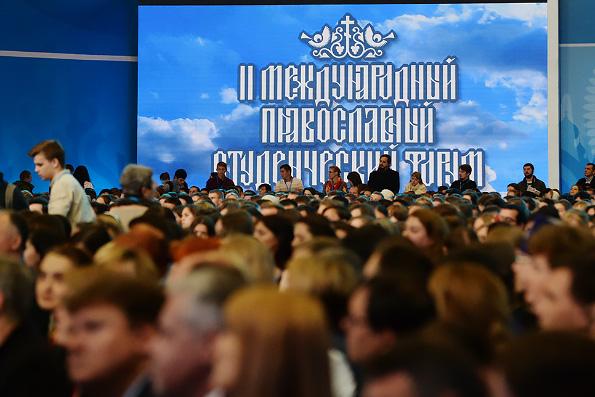 Российская молодежь способна на подвиг и творчество, — Патриарх Кирилл