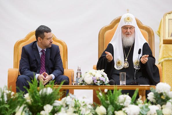 Патриарх Кирилл призывает верующих не бояться дискуссий в Интернете