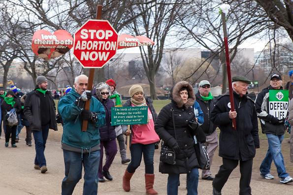 Власти Польши не решились на полный запрет абортов