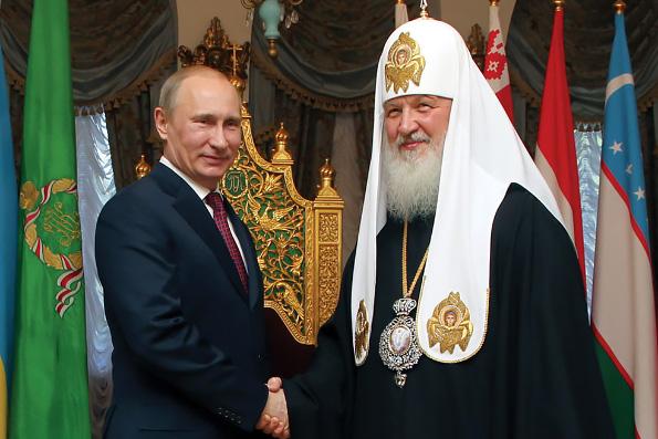 Патриарх Кирилл отметил вклад Владимира Путина в возрождение разрушенных святынь