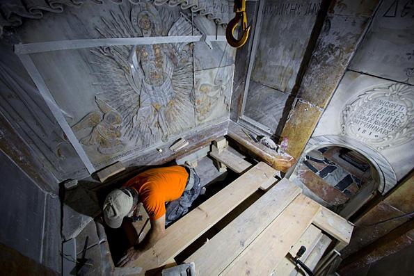 Необъяснимые помехи препятствуют работе ученых в Гробе Господнем