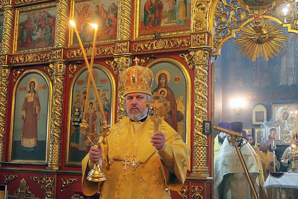 В Алексеевском состоялось архиерейское богослужение и выездное собрание Епархиального совета
