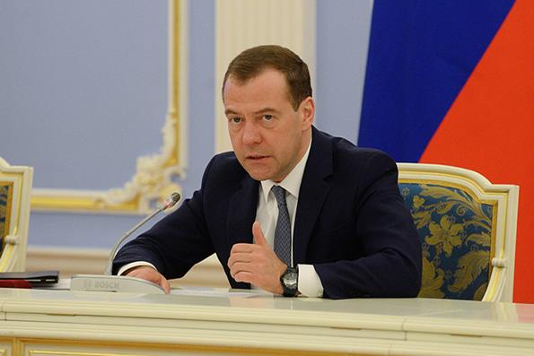Дмитрий Медведев: восстановление монастыря на Афоне идет неплохими темпами