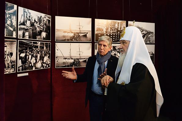 Патриарх Кирилл открыл фотовыставку о жизни афонских монастырей