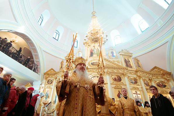 В Неделю сыропустную митрополит Феофан совершил Литургию в Богородицком мужском монастыре Казани