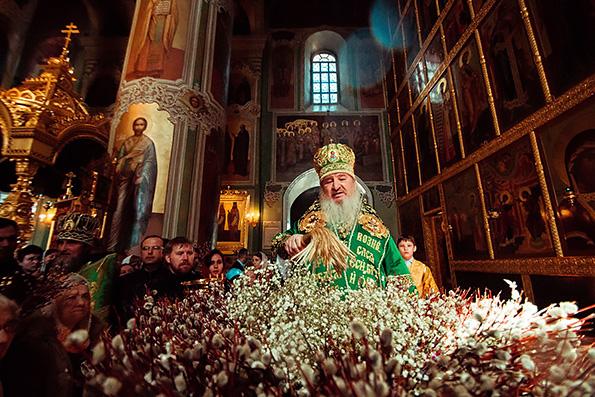 В Неделю ваий митрополит Феофан совершил Литургию в Благовещенском соборе Казанского кремля