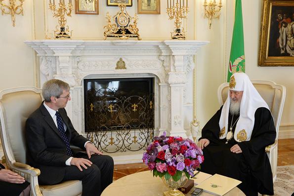 Патриарх Кирилл призвал англикан вместе защищать христиан от гонений