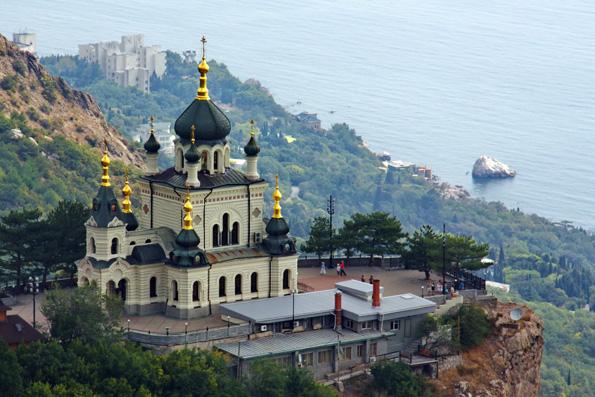 В Крыму отменили первомайские демонстрации из-за празднования Пасхи Христовой