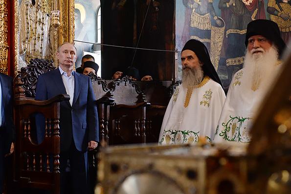 Владимир Путин назвал Афон источником нравственных устоев общества