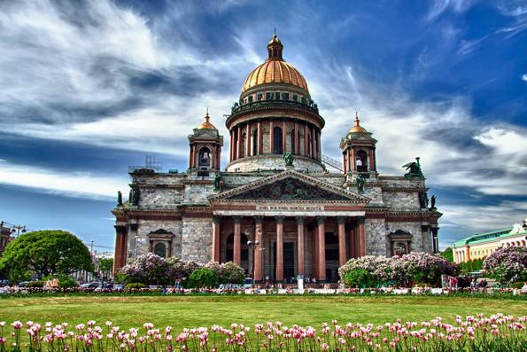 Санкт-Петербургская епархия просит вернуть Исаакиевский собор, храм Спаса на Крови и здания Смольного монастыря
