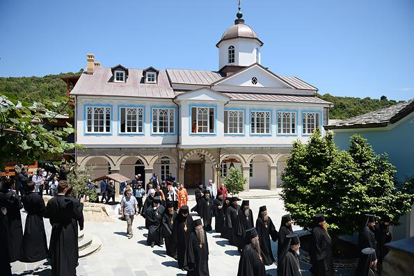 Патриарх Кирилл освятил возрожденный древнейший русский скит на Афоне