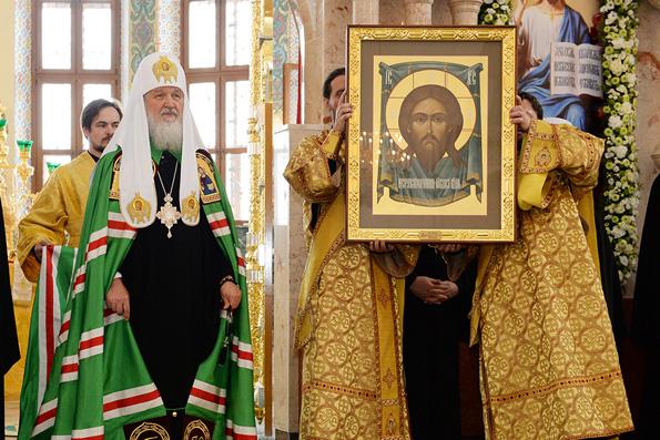 Патриарх Кирилл назвал ересью веру в могущество человека