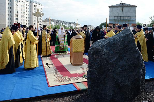 Патриарх Кирилл освятил закладку собора в Воркуте и назвал его памятником героям народа