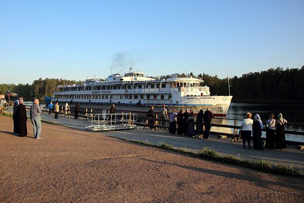 Гостиница-корабль заменила сгоревшую гостиницу Валаамского монастыря
