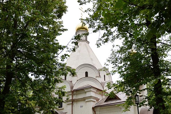 Патриарх Кирилл освятил московский храм, взорванный Наполеоном