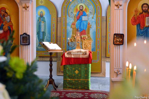 Крестильный храм блаженной Ксении Петербургской, поселок Боровецкое