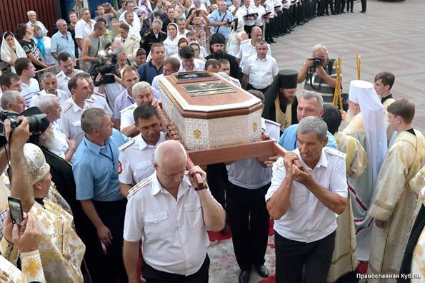 Юг России поклоняется мощам святого воина Федора Ушакова