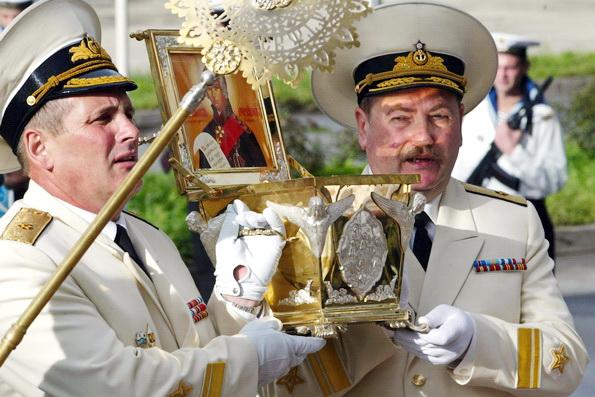 На базу подводников ТОФ на Камчатке впервые доставили мощи адмирала Ушакова