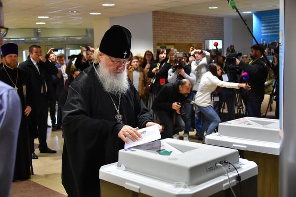 Патриарх Кирилл принял участие в голосовании