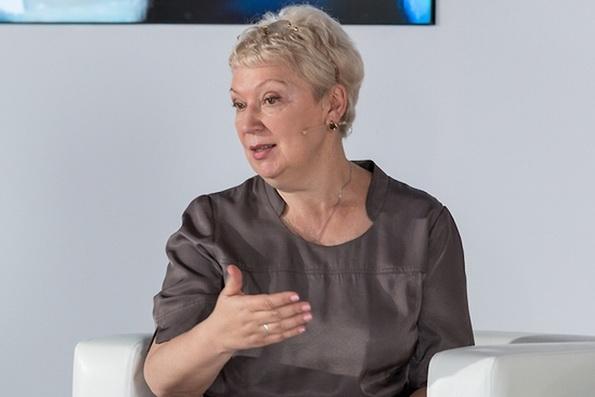 Ольга Васильева сравнила служение учителя, священника и врача