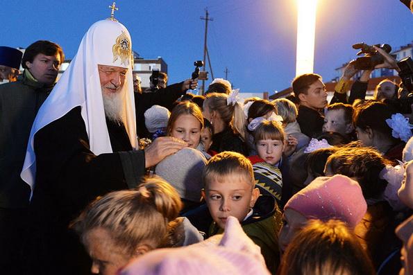 Патриарх Кирилл призвал родителей воспитывать детей в православной вере