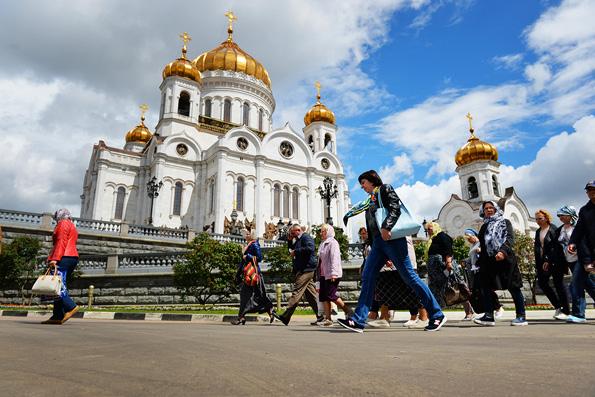 Мощам святителя Николая Чудотворца в Москве поклонилось около миллиона человек