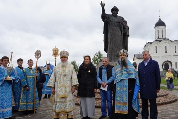 Памятник Ивану III открыли на месте «Стояния на Угре»