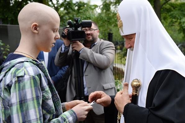 У онкобольного мальчика из Днепра сбылась мечта встретиться с Патриархом