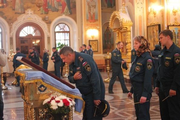 17 сентября российские спасатели помолятся перед иконой «Неопалимая купина»